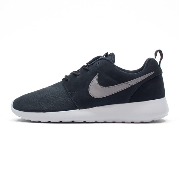 nike-roshe-one-suede-black-685280-001